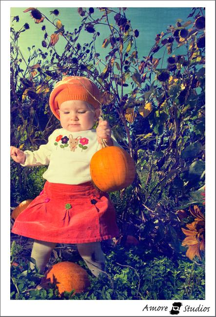Zoe Pumpkin Patch 09 008